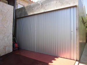 ガレージ車庫シャッター(全閉)