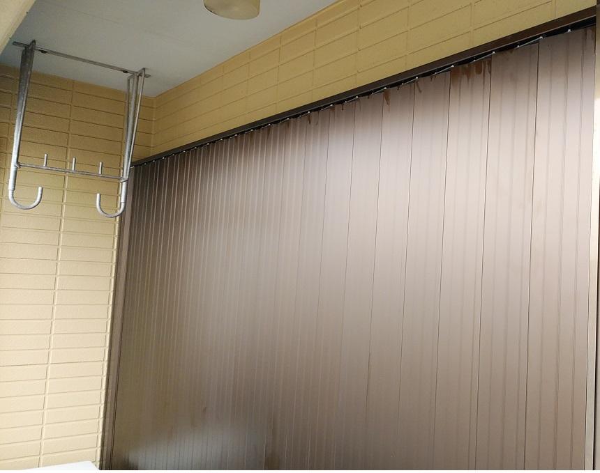 雨戸が無い 折れ雨戸交換 窓の台風対策に後付シャッター
